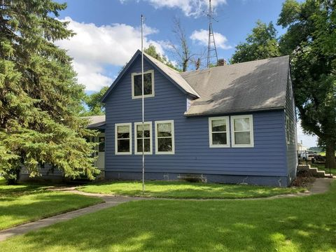 Photo of 105 W Main St, Badger, SD 57214