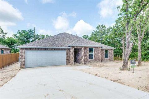 Photo of 100 Oak Ct, Runaway Bay, TX 76426