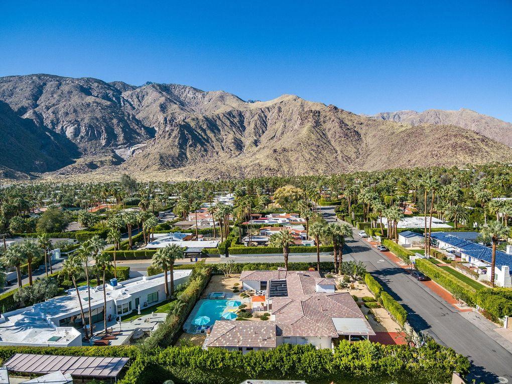 377 Camino Sur Palm Springs, CA 92262