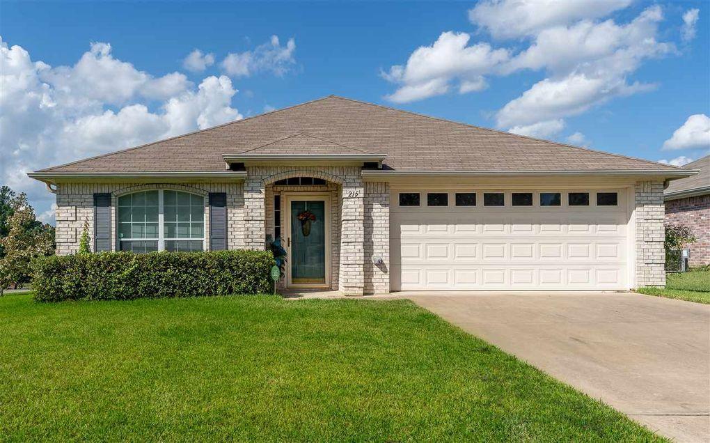215 Ray Creek Dr Longview, TX 75605