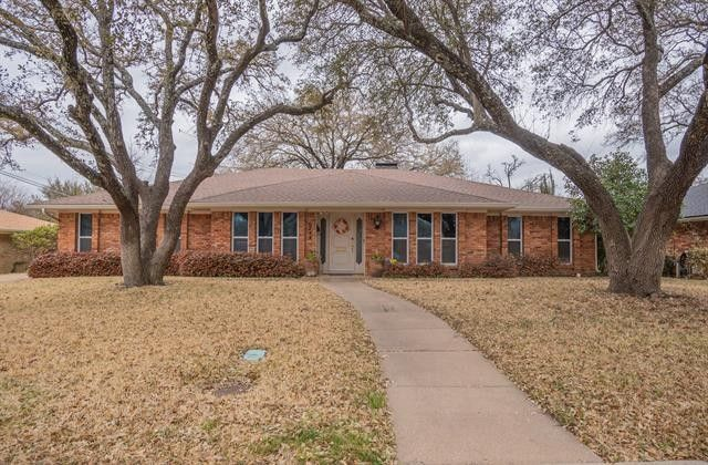 6144 Whitman Ave Fort Worth, TX 76133