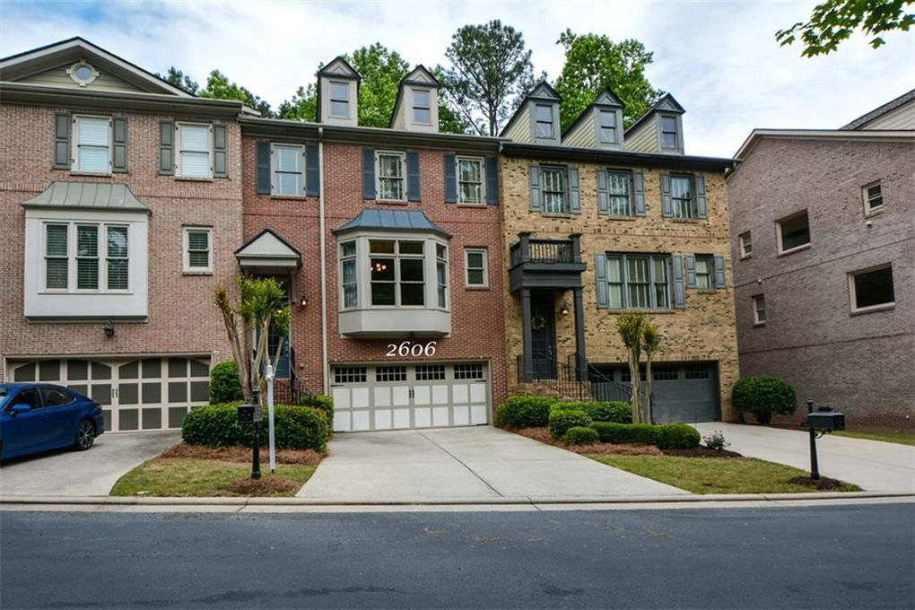 2606 Long Pointe Roswell, GA 30076