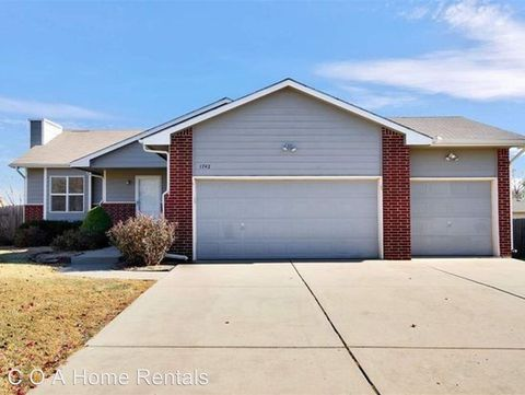 Photo of 1742 N Riverbirch Ct, Andover, KS 67002