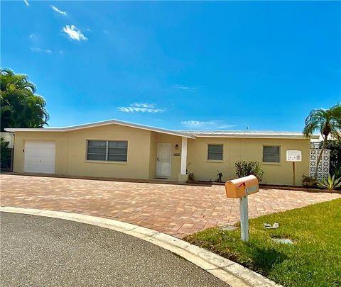 Photo of 17444 2nd St E, Redington Shores, FL 33708