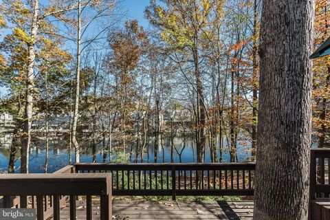 Photo of 2024 Upper Lake Dr, Reston, VA 20191