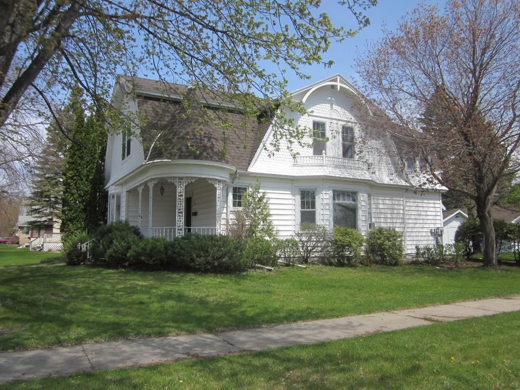 309 8th St S Wheaton, MN 56296