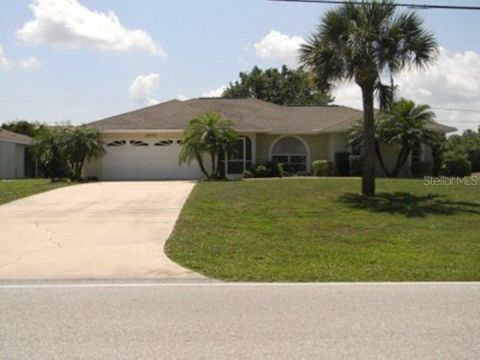 Photo of 18371 Edgewater Dr, Port Charlotte, FL 33948