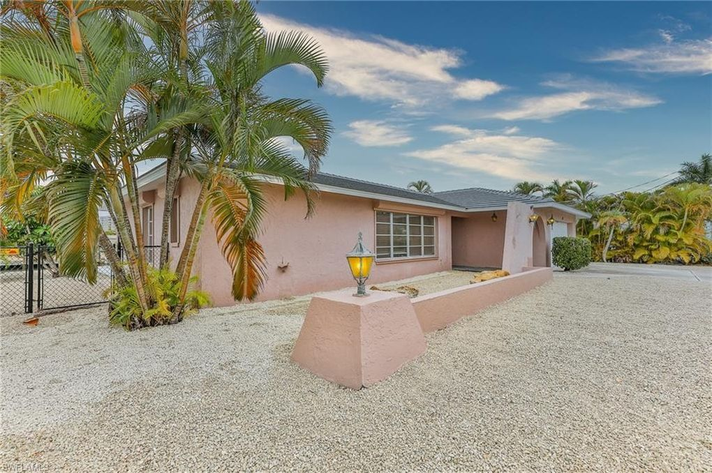 14 Sunview Blvd Fort Myers Beach, FL 33931