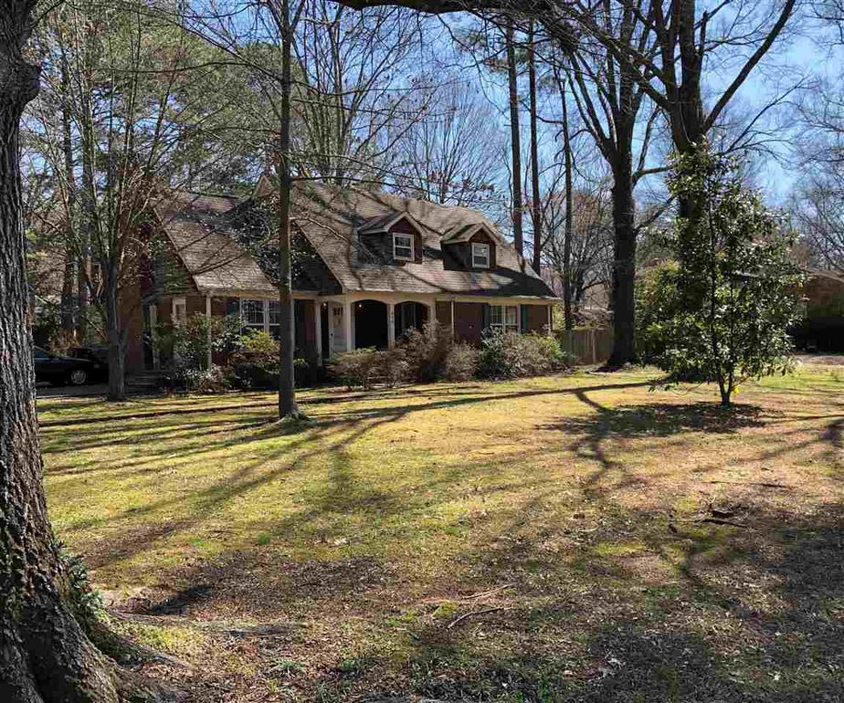 298 Peterson Lake Rd Collierville, TN 38017