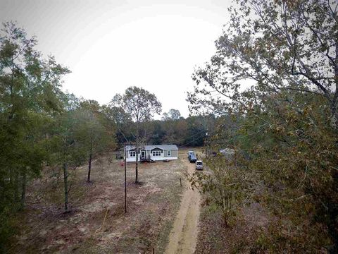Photo of 2425 Star Rd, Florence, MS 39073