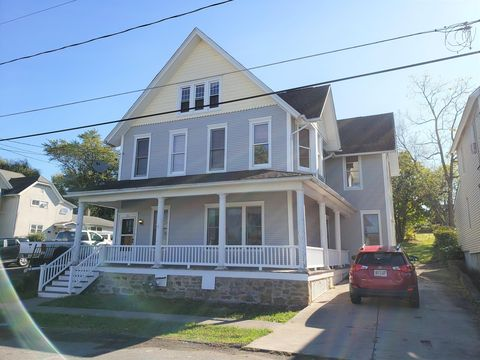 Photo of 125 Franklin St, Dunmore, PA 18512