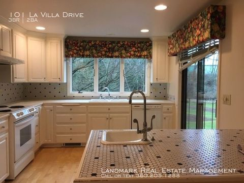 Photo of 101 La Villa Dr, Lynden, WA 98264