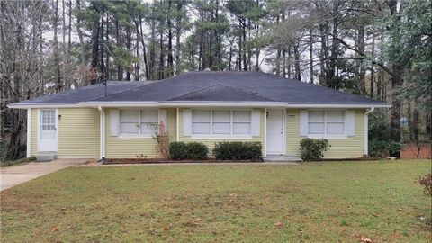 Photo of 2990 Hollywood Dr, Decatur, GA 30033