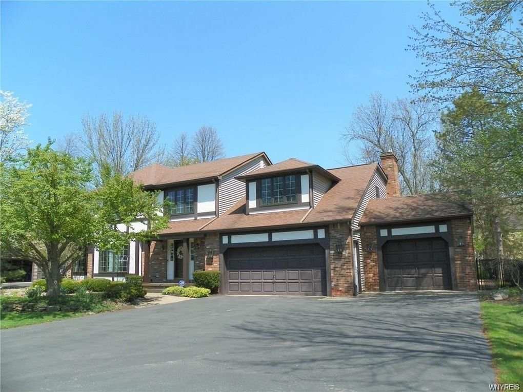 331 Wellingwood Dr Amherst, NY 14051