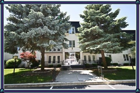 18315 Burnham Ave Apt 301 Lansing, IL 60438