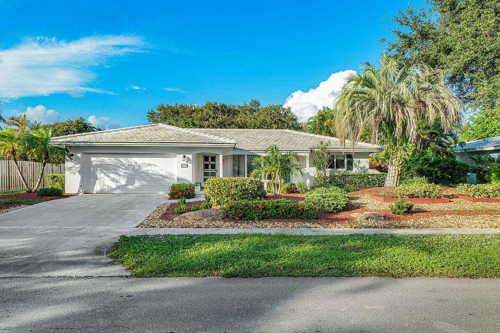 1299 SW 14th St Boca Raton, FL 33486
