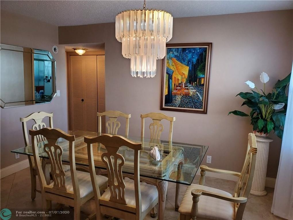 4050 NW 42nd Ave Apt 219 Lauderdale Lakes, FL 33319