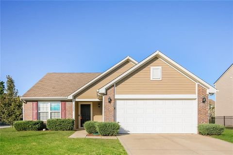 Photo of 13806 Boulder Canyon Dr, Fishers, IN 46038
