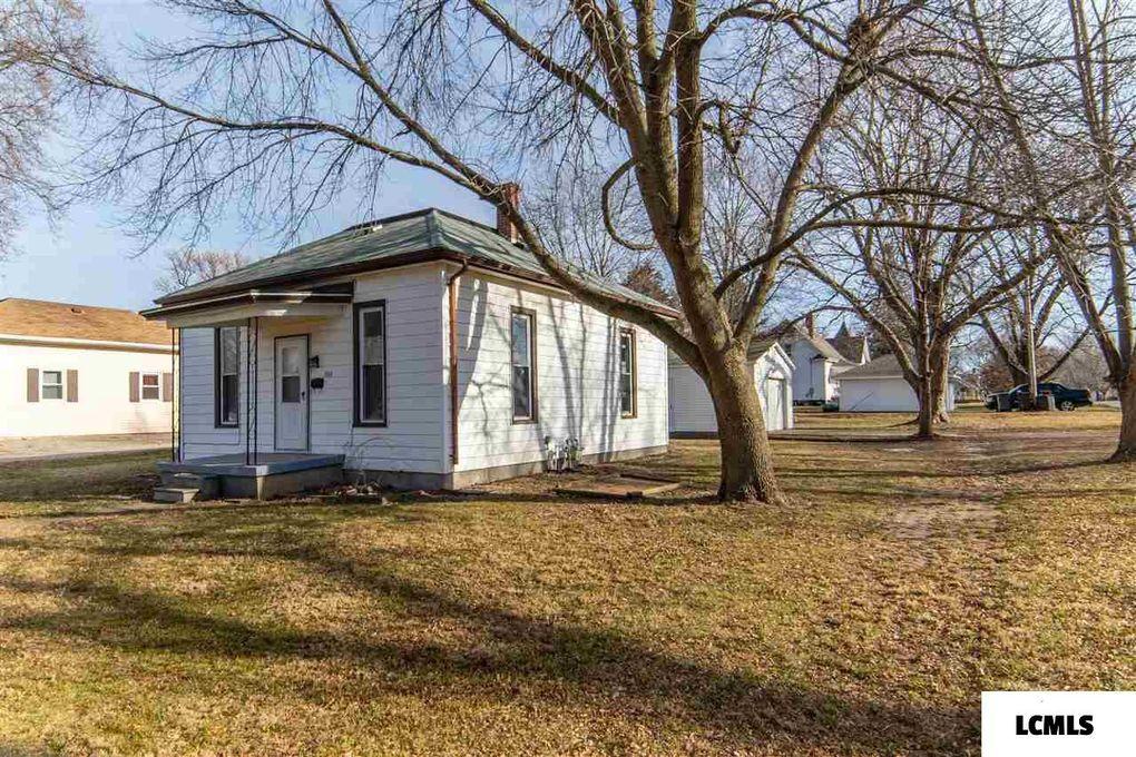 303 N Marion St Mount Pulaski, IL 62548