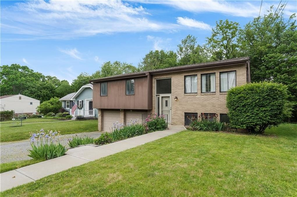 526 Lincoln Ave Ross Township, PA 15237