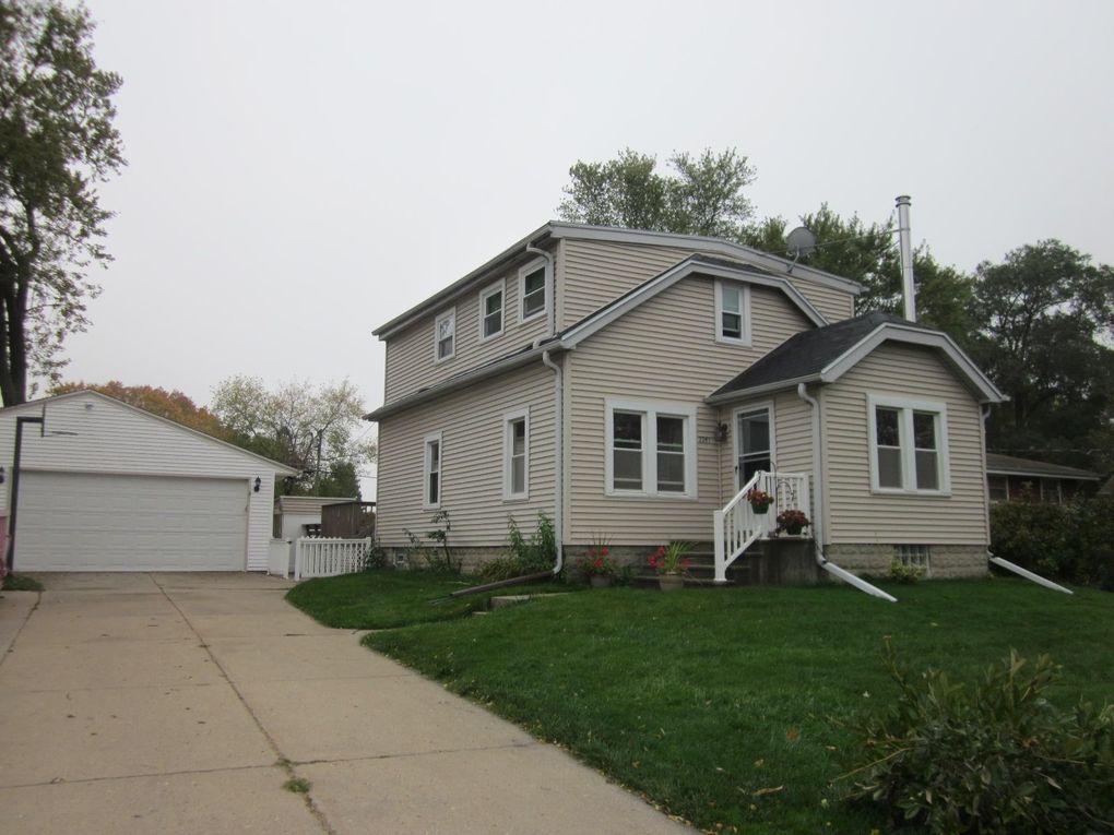 2241 W Kimberly Ave Milwaukee, WI 53221