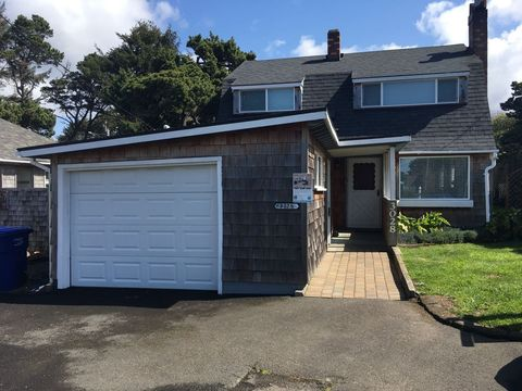 Photo of 3028 Nw Lee Ave, Lincoln City, OR 97367