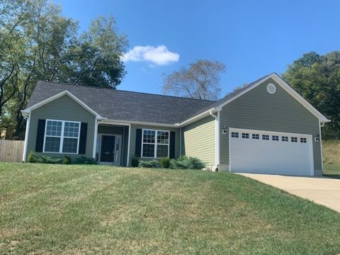 Photo of 1465 Hammett Rd, Johnson City, TN 37615