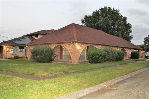 Photo of 4301 Lake Villa Dr, Metairie, LA 70002