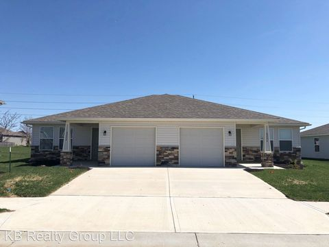 Photo of 8226 Sw 1st St, Blue Springs, MO 64014
