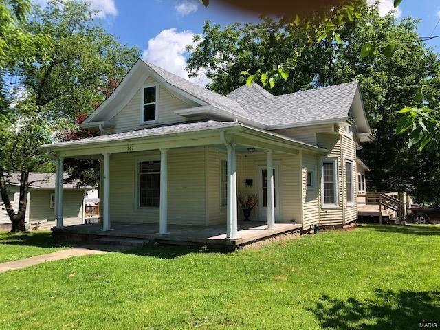702 N 5th St Elsberry, MO 63343