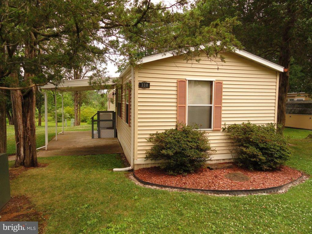 330 Cedar Dr Green Lane, PA 18054