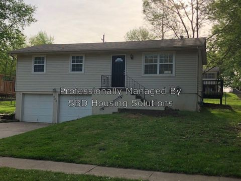 Photo of 508 Ne 3rd Street Spgs Unit Blue, Blue Springs, MO 64014