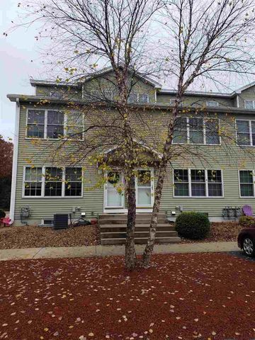 Photo of 19 Steeple Chase Dr, Hampstead, NH 03841