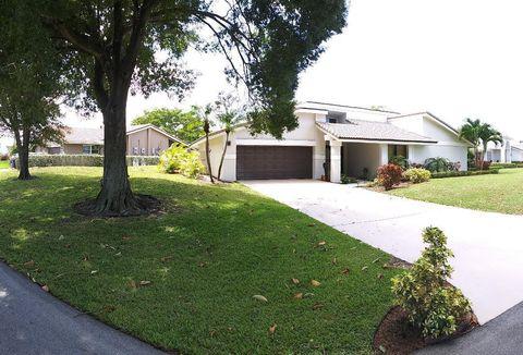 Photo of 678 Lakewoode Cir E, Delray Beach, FL 33445