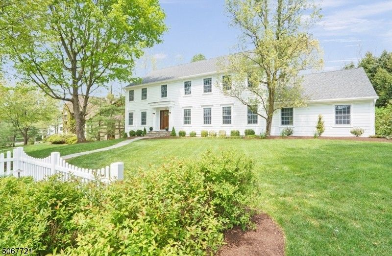 44 Devonshire Ln Mendham Township, NJ 07945