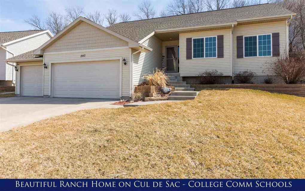 207 Gas Light Ct SW Cedar Rapids, IA 52404