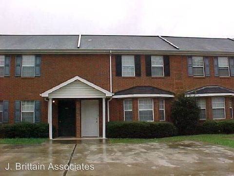 Photo of 5305 Whisperwood Ct, Anniston, AL 36206