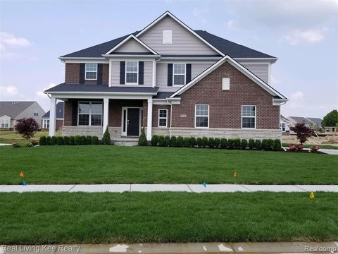 Photo of 3134 Huntsman Blvd, Orion Township, MI 48360