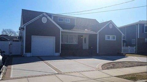 Massapequa Ny Multi Family Homes For Sale Real Estate Realtor Com