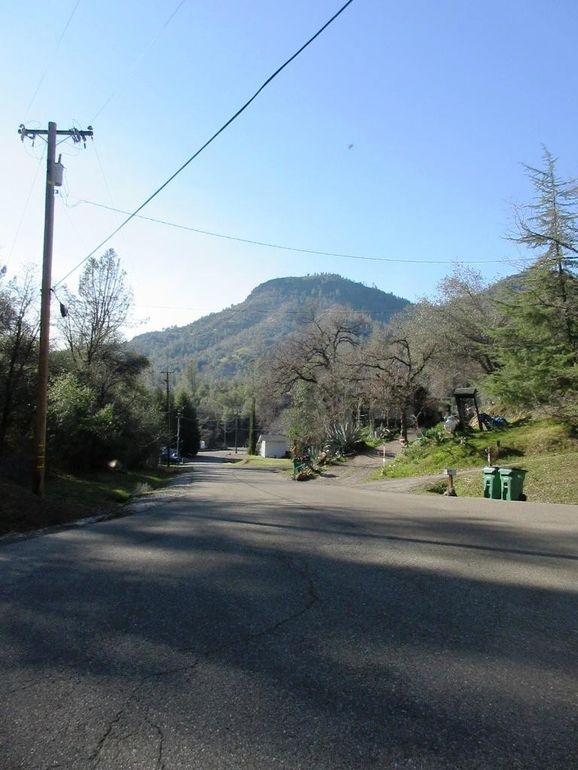Lookout Ct Lots 38 & 39 Redding, CA 96003
