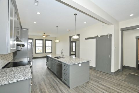 Photo of 7625 W Stonegate Dr Unit 200, Zionsville, IN 46077