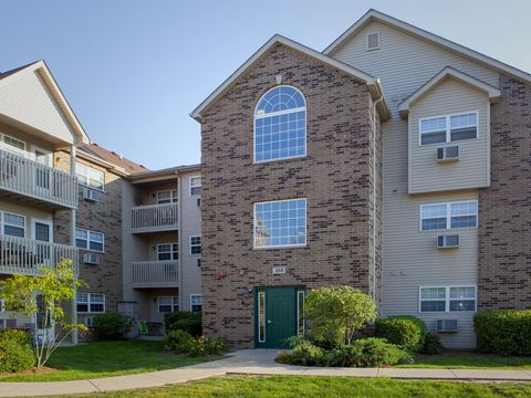 Photo of 310 Cunat Blvd Apt 3 C, Richmond, IL 60071
