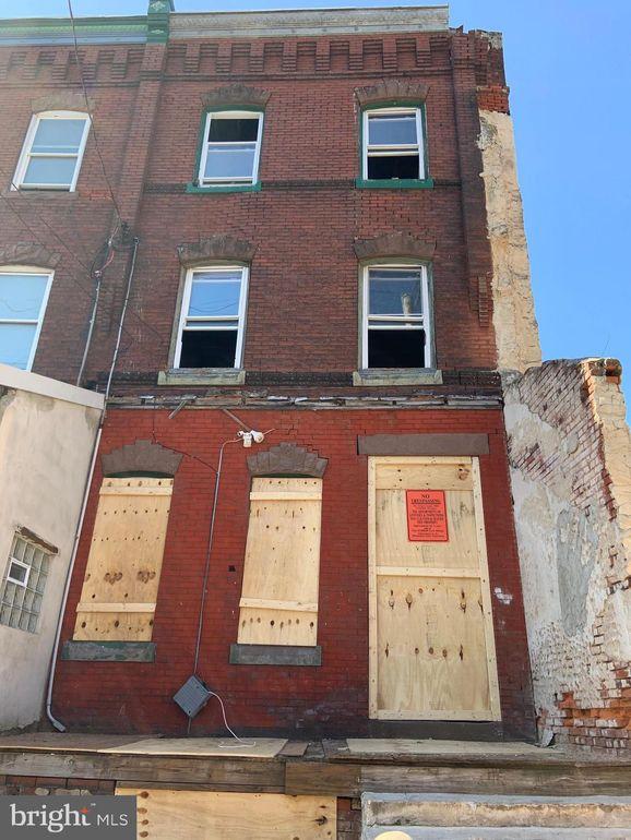 852 N 41st St Philadelphia, PA 19104