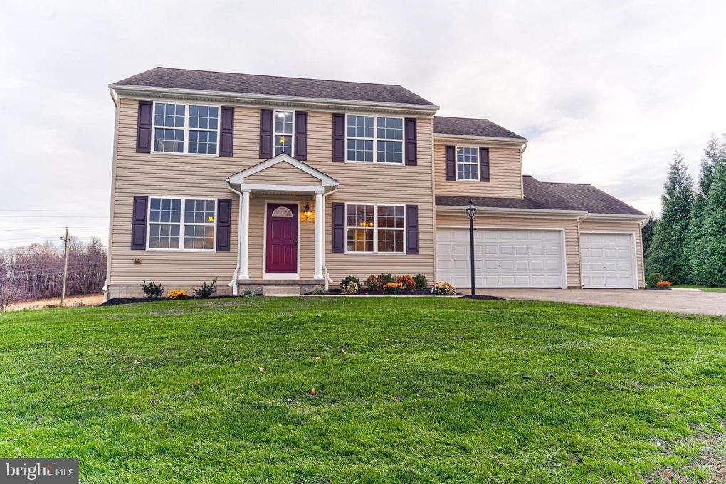 129 Buttercup Dr Oxford, PA 19363