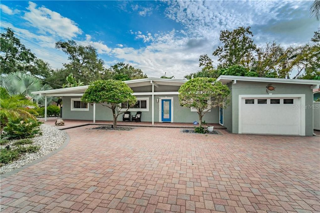 602 3rd St N Safety Harbor, FL 34695