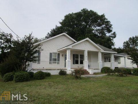 Photo of 228 W Pine St, Swainsboro, GA 30401