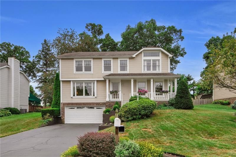 111 Clearbrook Dr Cranberry Township, PA 16066