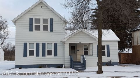 Photo of 719 S 3rd Ave, Wausau, WI 54401