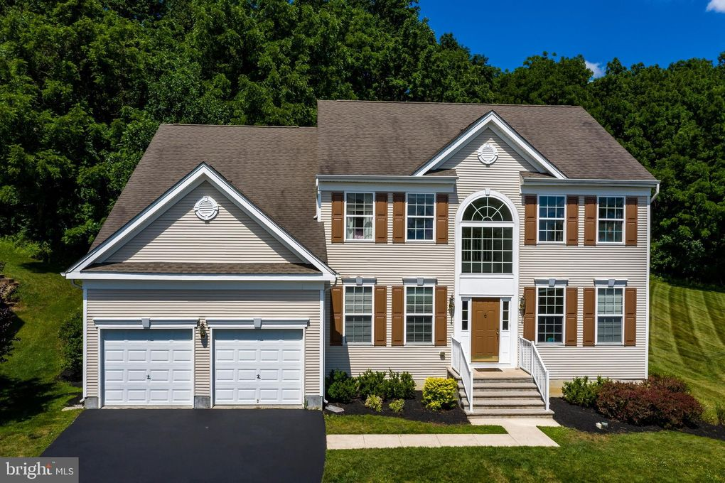 704 Barnsdale Rd Chester Springs, PA 19425