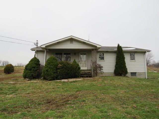 207 Kemerer Rd Latrobe, PA 15650